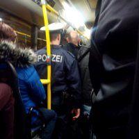 polizei in bus